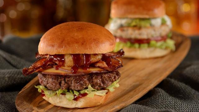 D-Luxe-Burger_Full_27179