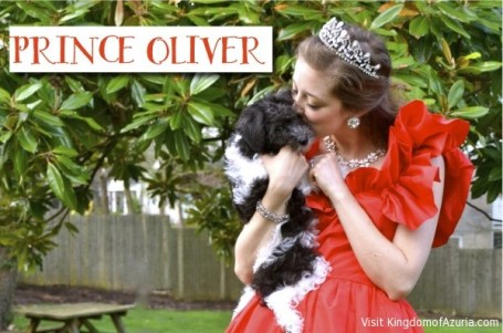 Prince Oliver kisses kingdomofazuria.com