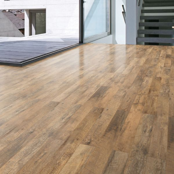Guarcino Reclaimed Oak effect Laminate flooring 1 64 m     Pack     Guarcino Reclaimed Oak effect Laminate flooring 1 64 m     Pack   Departments    DIY at B Q