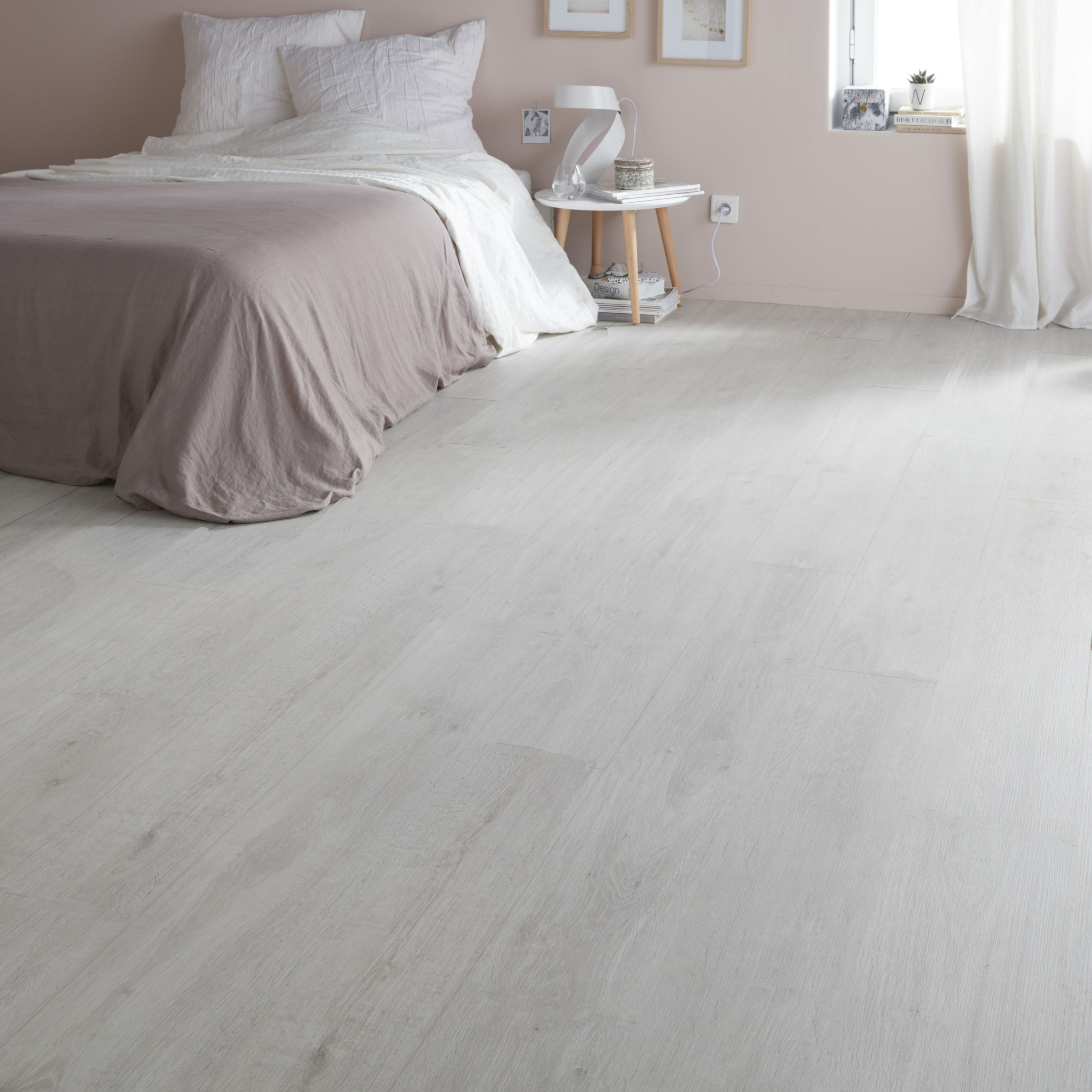 Wood Floor With Wood Furniture