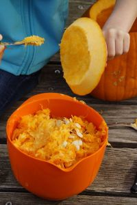 Scrape lid Halloween pumpkin carving