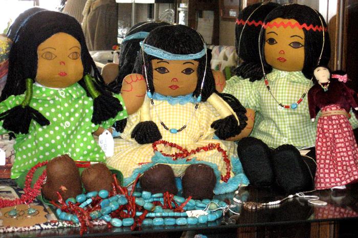 Kettelhuts-Anitques-Collectibles-Dolls-Clocks-Kingman-AZ-2