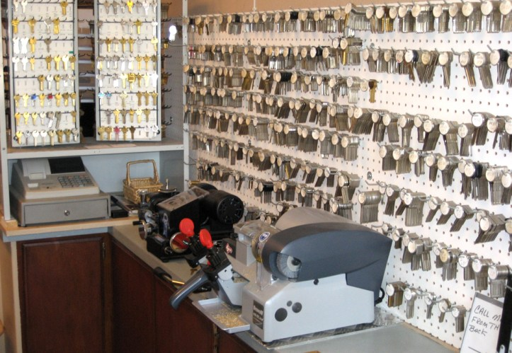 KMM-Kingman-Business-Garons-Locksmithing-Mobile-Locksmith-Transponder-Key-Programming-1