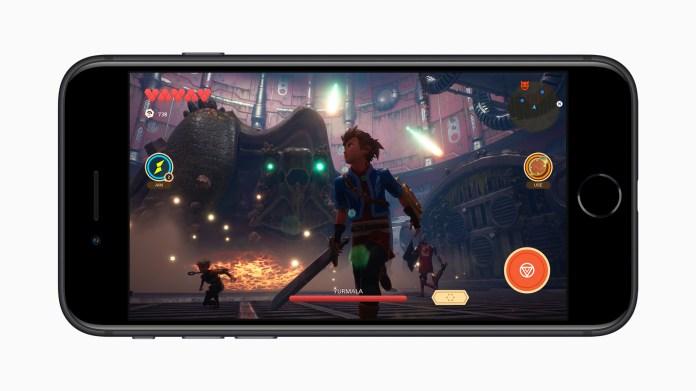 Apple_new-iphone-se-apple-arcade-screen_04152020_big.jpg.large_2x.jpg