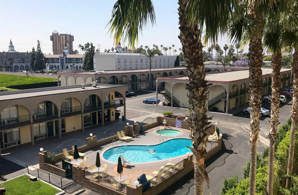 Anaheim Desert Inn and Suites   Anaheim, CA Hotels near