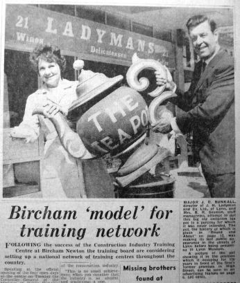 1969 June 13th Ladymans Teapot on move