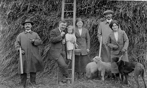1920s query Rivett family out shooting at Cawston (Joe Mason)