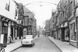 1958 Nos 79 - 97 (right) Nos 39 - 45 (Queens Head) (left) (Lynn Forums)