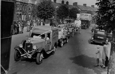 1935 6th May Jubilee Parade in Gaywood Road