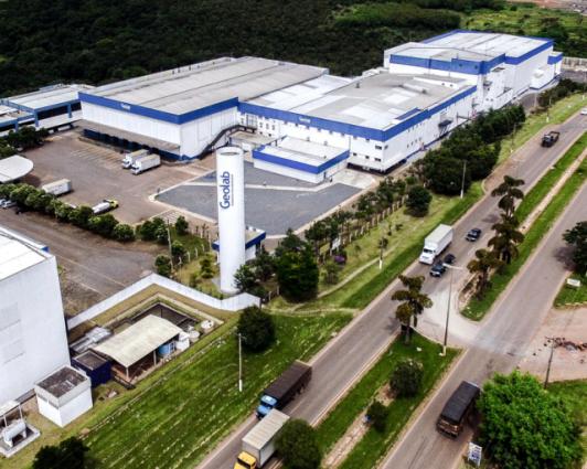 Industria Farmoquimica Geolab - Kingspan Isoeste
