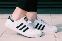 Zapatos: Adidas Superstar