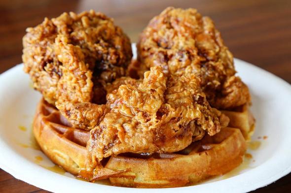 ドライブついでにガッツリ食べたいカリヒ地区の「Pancakes & Waffles(パンケーキ&ワッフルズ)」