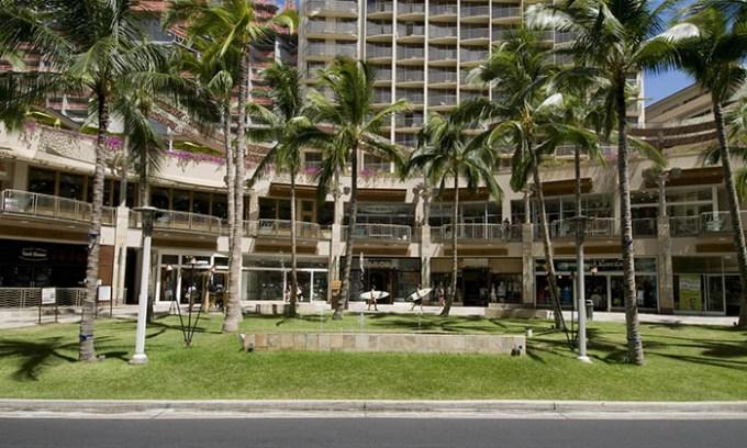 Waikiki Beach Walk(ワイキキ・ビーチ・ウォーク)のお店を調べてみた
