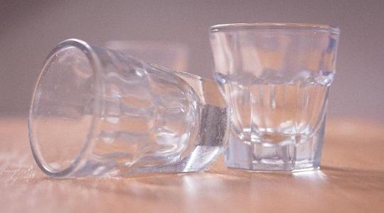 ガラスコップ 重なって取れない
