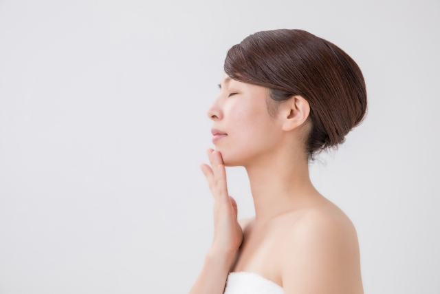 顎ニキビはなぜ繰りかえす?治し方と今後の対策教えます