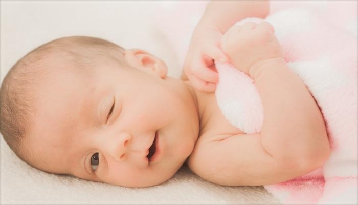 赤ちゃん おくるみ いつまで 時期
