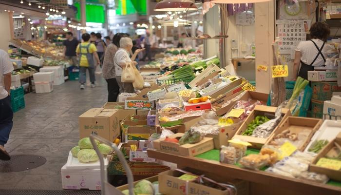 一人暮らし 節約方法 商店街 スーパーで買物するな