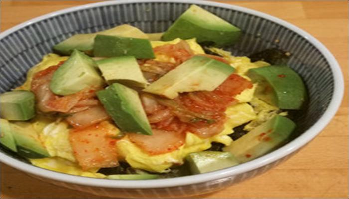 丼もの 簡単レシピ アボカドキムチ丼