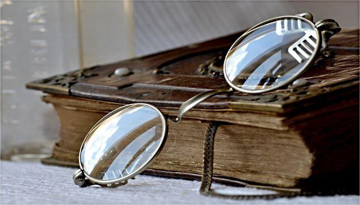 海外出張 持ち物 メガネ