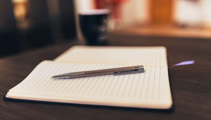 海外出張 持ち物 ペンとメモ