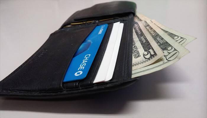 海外出張 持ち物 お財布