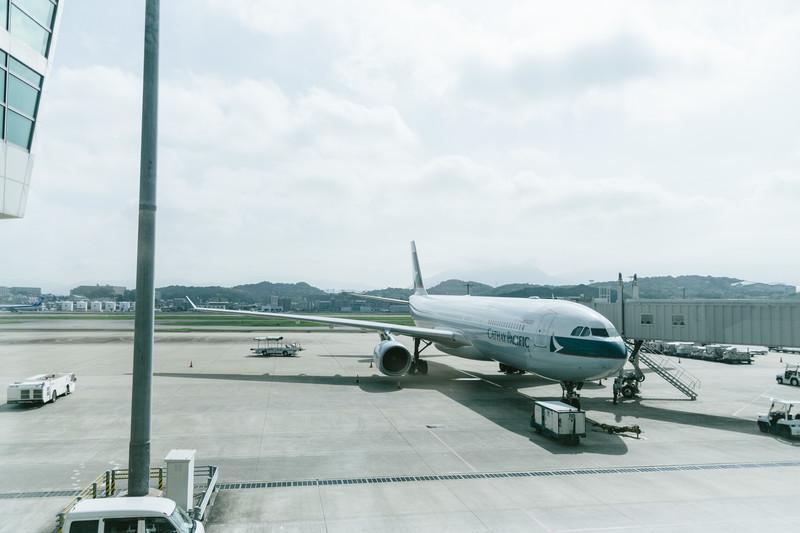 空港と旅客機・飛行機