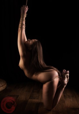 Bendy Lady kinbaku shoot