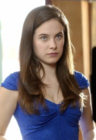 Главная героиня непризнанного шоу Брайана Фуллера, яркий пример обычной девушки с необычными способностями