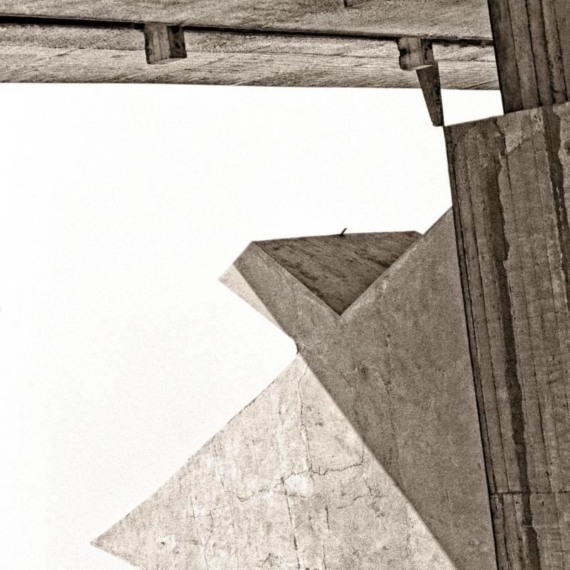 La Pyramide de Corbu Couvent de la Tourette - v3