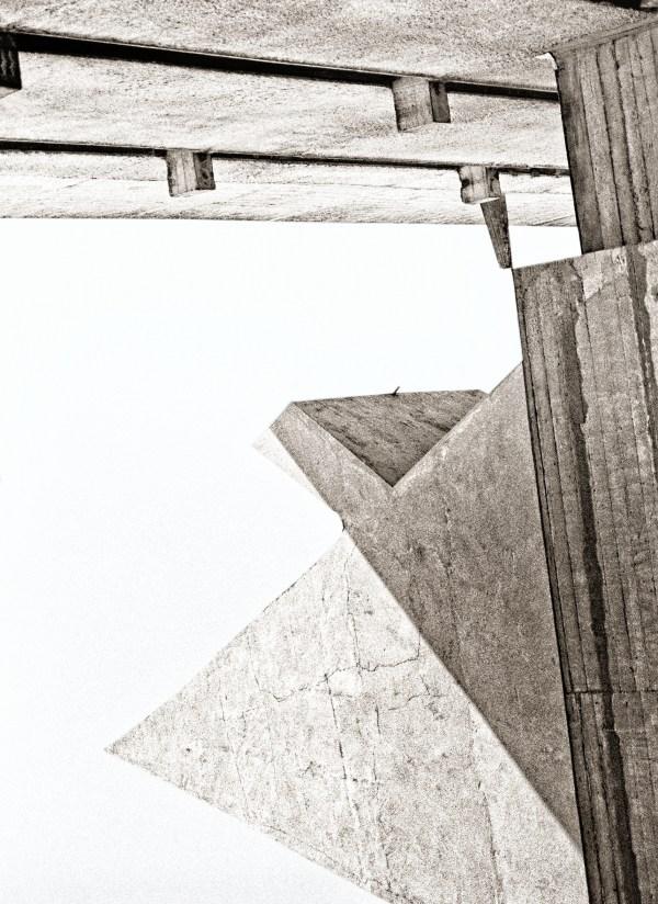 La Pyramide de Corbu Couvent de la Tourette - v2