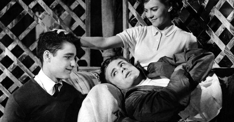 Jim, Judy iPlaton wjednej zkluczowych scen filmu Buntownik bezpowodu