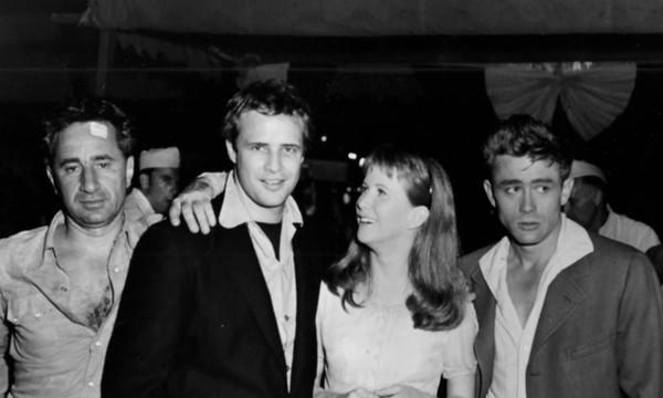 Elia Kazan, Marlon Brando, Julie Harris iJames Dean w1955 roku.