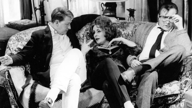Mike Nichols, Elizabeth Taylor iRichard Burton (1966) nafilmowej sofie - Kto sie boi virginii woolf
