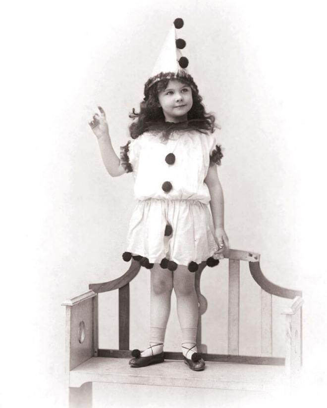 Vivien Leigh wstroju clauna - dzieciństwo