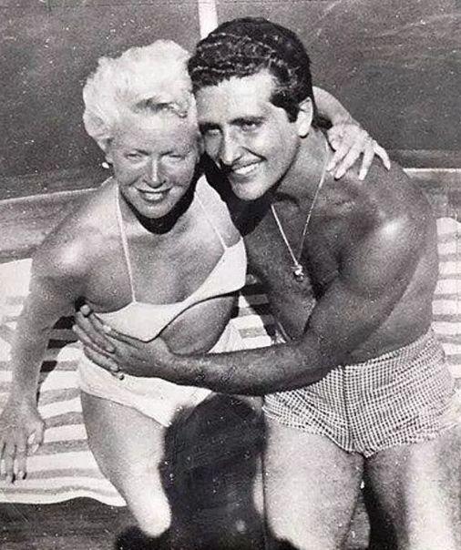 Lana Turner iJohnny Stompanato nawakacjach
