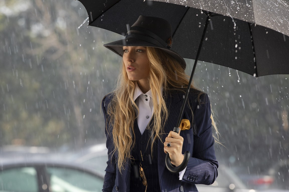 a still of Blake Lively from A Simple Favour