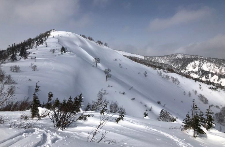 静かなる山 満腹のメシ 北東北パウダー&バックカントリートリップ