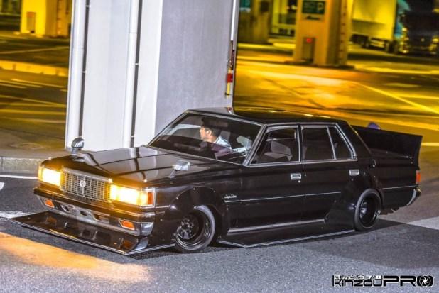 凄悪族車の貫禄と落ち着きを黒い12クラウンの昭和的カクカク感で表現Blog