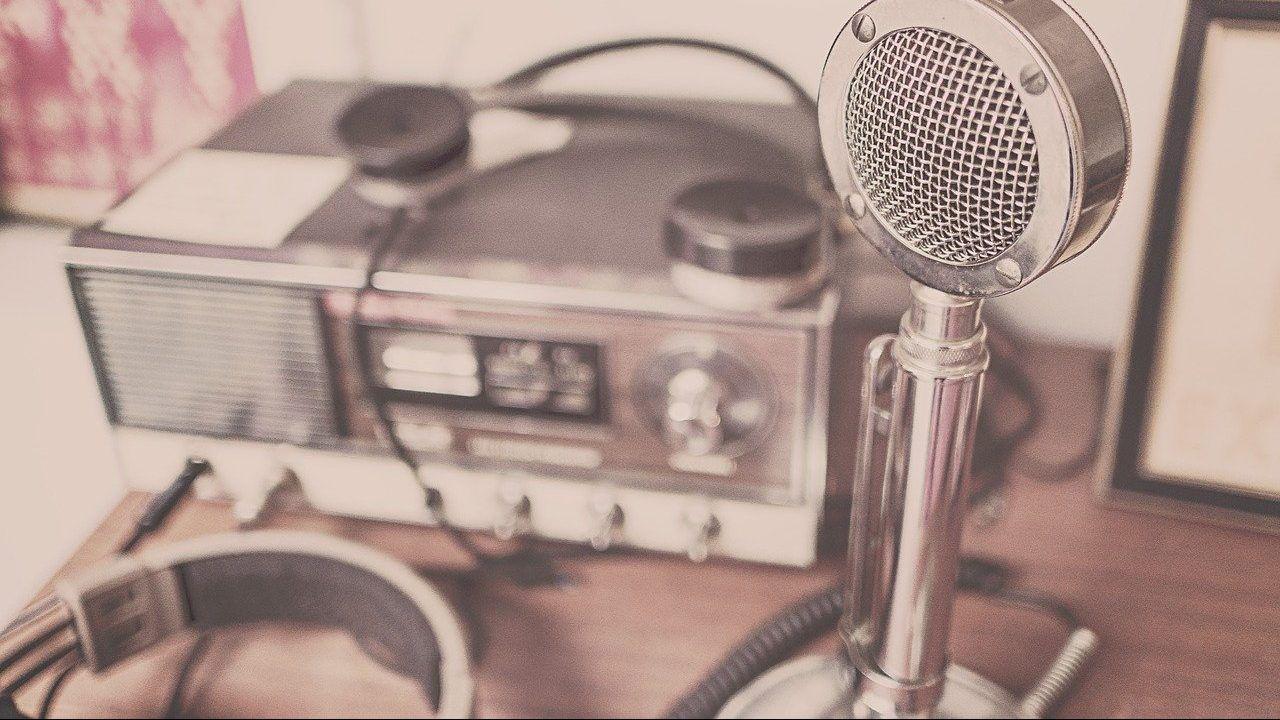 Murakami presentará un programa de radio especial
