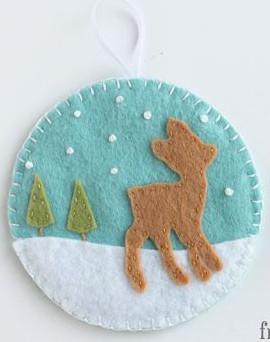 http://www.cutesycrafts.com/2013/12/felt-deer-and-fox-christmas-ornaments.html