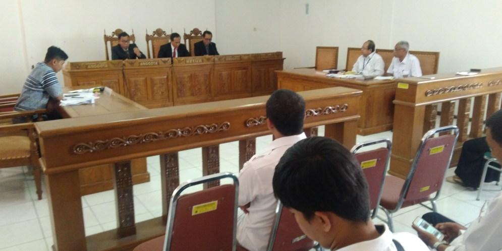 Majelis Komisioner memutus sela sengketa anatar Pattiro Semarang melawan Kepala BBWS Pemali Juana
