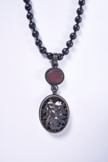 07 Collier