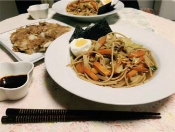 ★全粒粉パスタを使った野菜たっぷり醤油ラーメン風、白菜の全粒粉チヂミ
