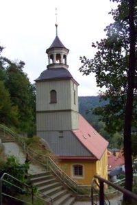 Kirche vom Berg aus