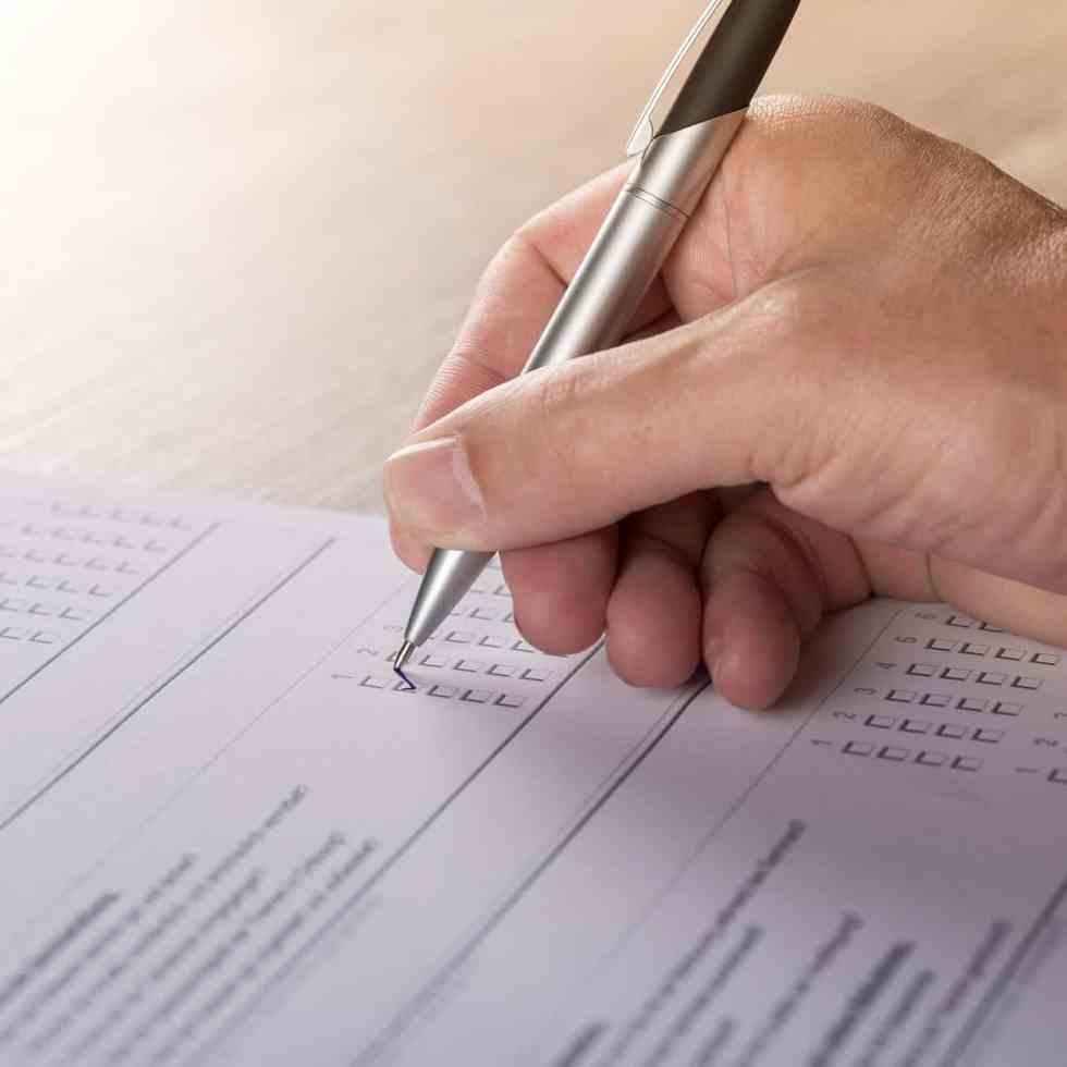 Tools für Online-Umfragen präsentiert von telos communication | Die Werteagentur