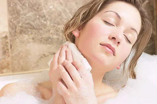 bathing-body-care-at-4-healthy-tips-about-how-to-care-body-after-bathing