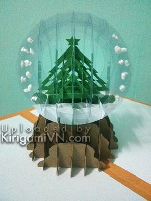 Qua cau tuyet cay thong - snowglobe with pine tree