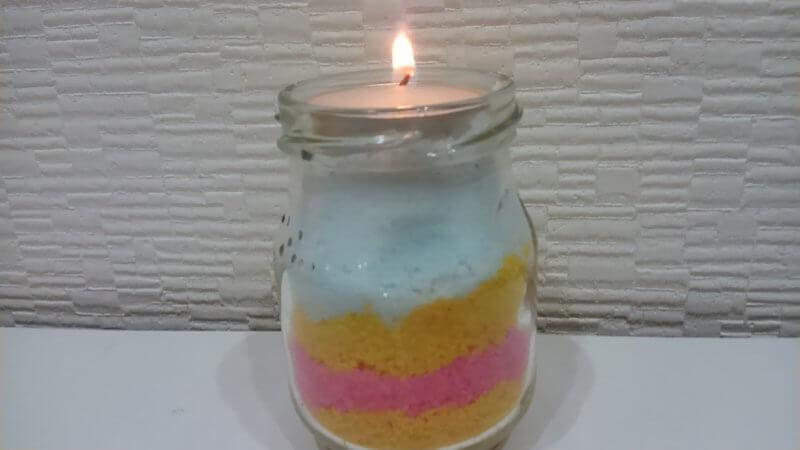 火を灯した塩キャンドル