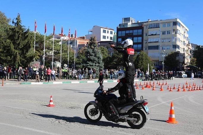 Kırklareli'de Yunus ekipleri nefes kesen gösterilerle göreve başladı