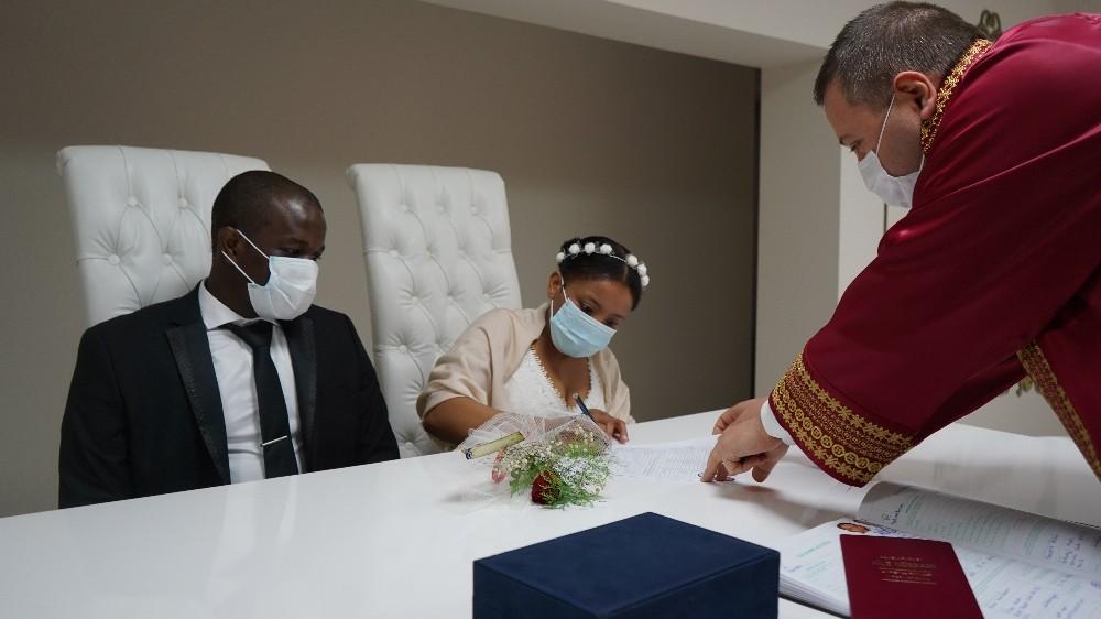 Haitili çift Kırklareli'nde evlendi